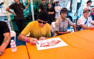 Photo Gallery: Skate Team Signing